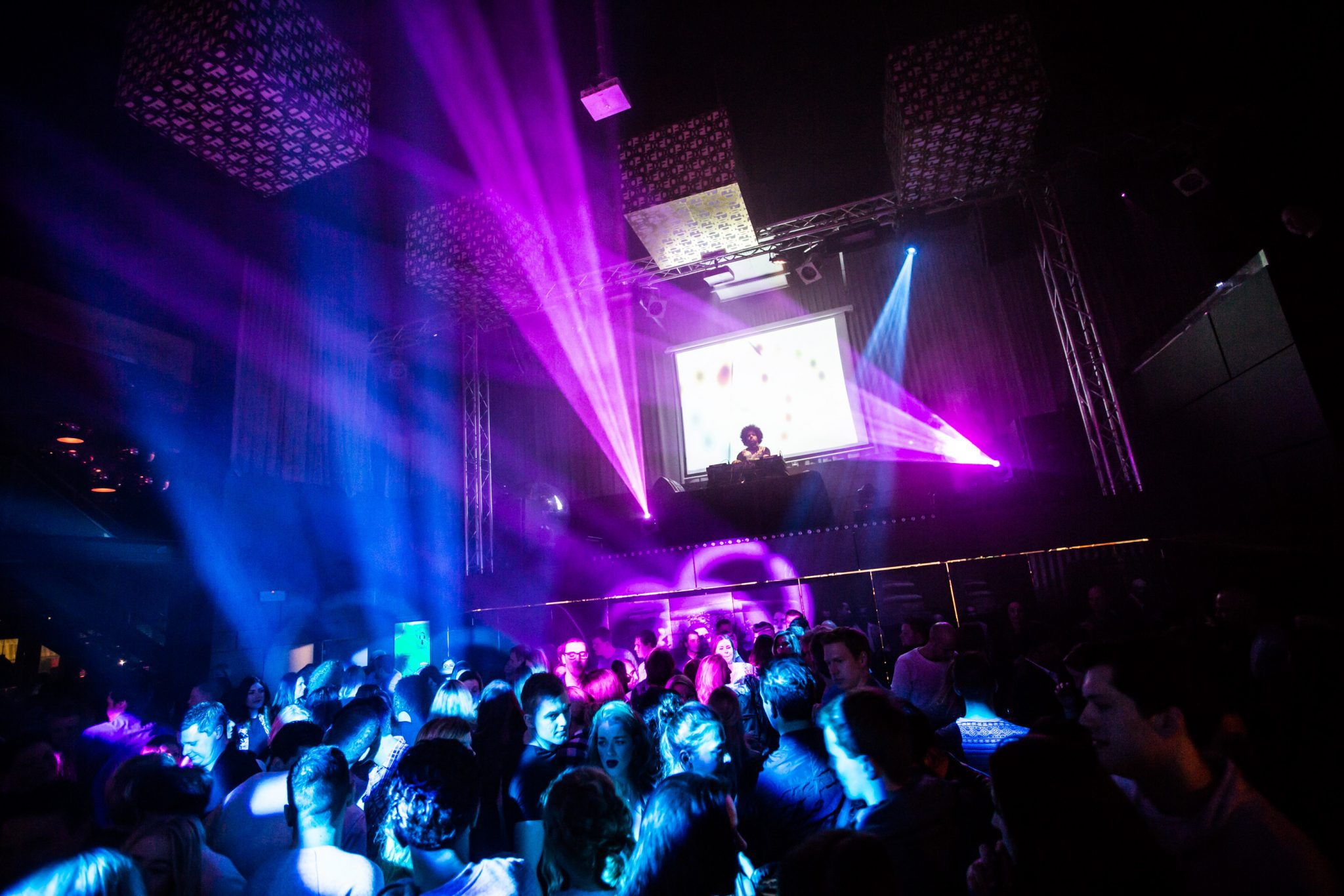 Fellini agenda discotheek club uitgaan dansen brunchen for Fellini enschede